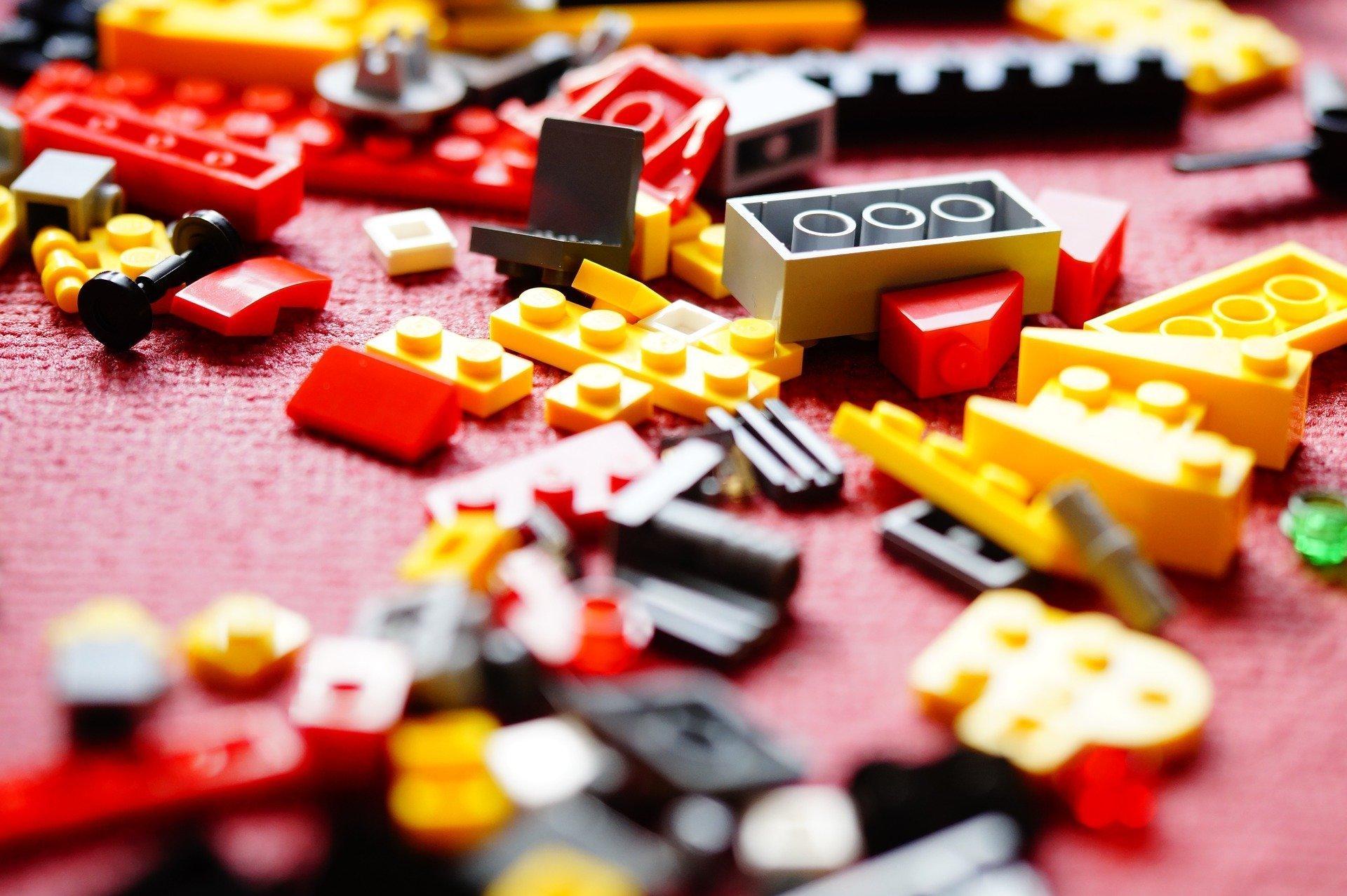 Lego Serious Play: uno metodo per rafforzare i gruppi di lavoro