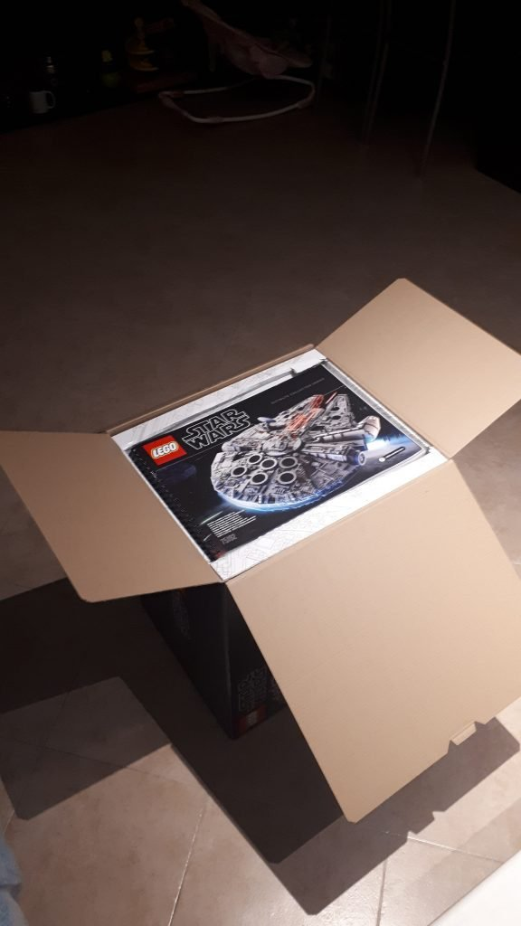 Lego Star Wars Millennium Falcon UCS - la scatola