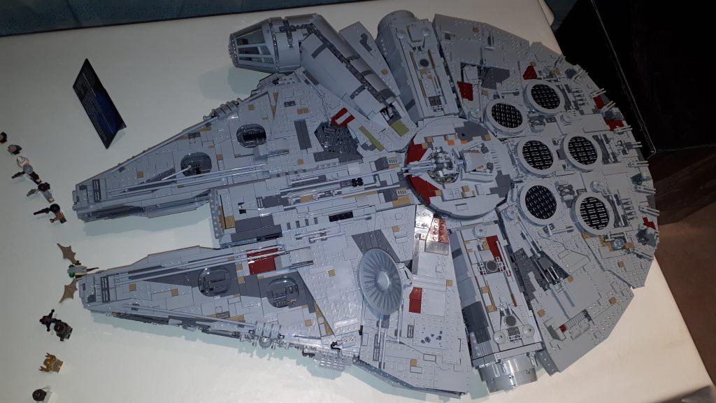 Il Millennium Falcon UCS ultimato