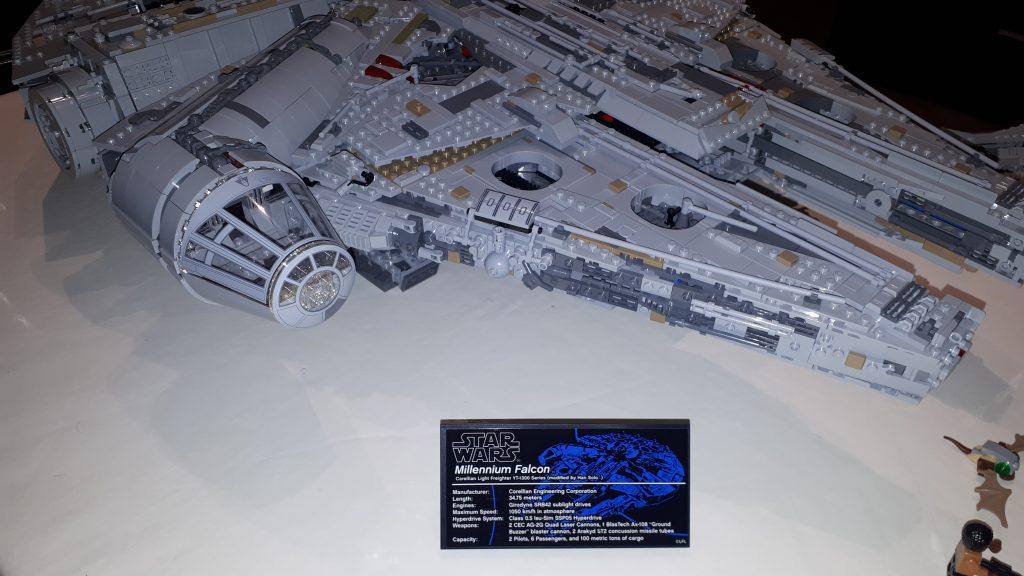 la placca identificativa del Millennium Falcon