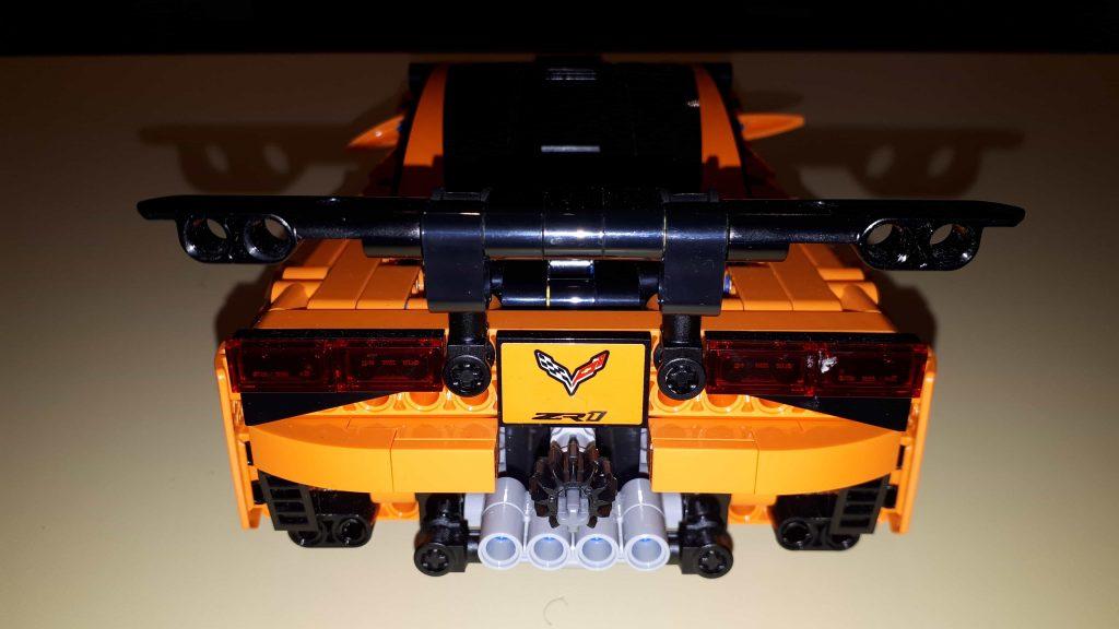 Lego Technic Chevrolet Corvette ZR1 - vista frontale