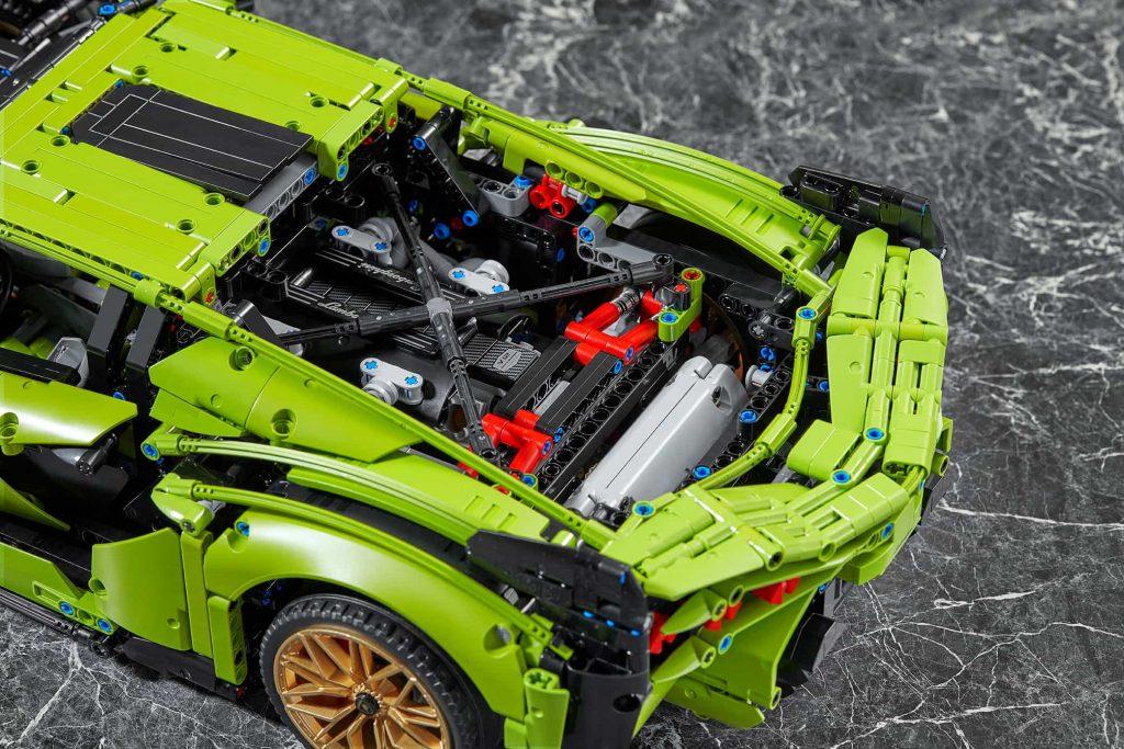 Lego Technic Lamborghini Sián FKP 37 - il motore