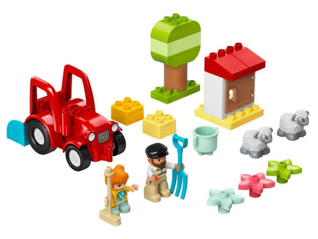 Il trattore della fattoria e i suoi animali