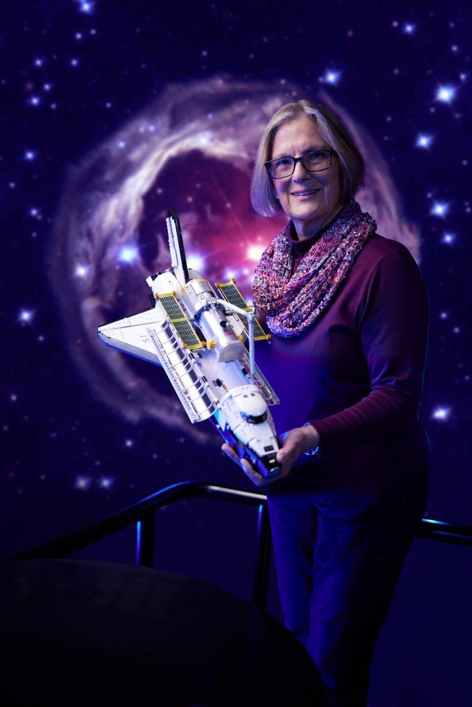 LEGO NASA Space Shuttle Discovery Dr Kathy Sullivan