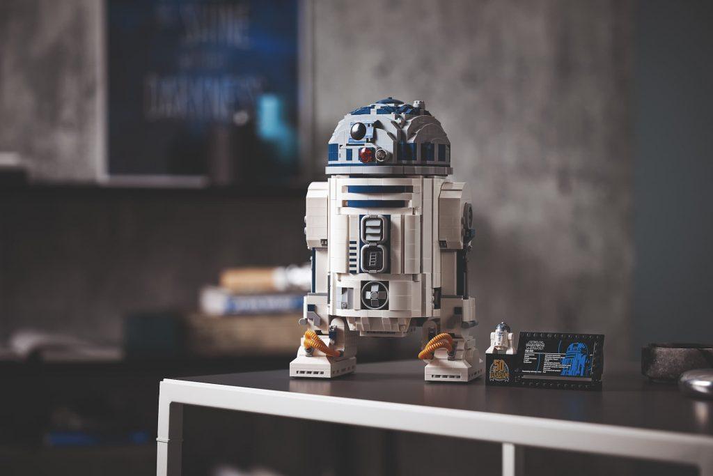 Lego Star Wars R2-D2 UCS esposto