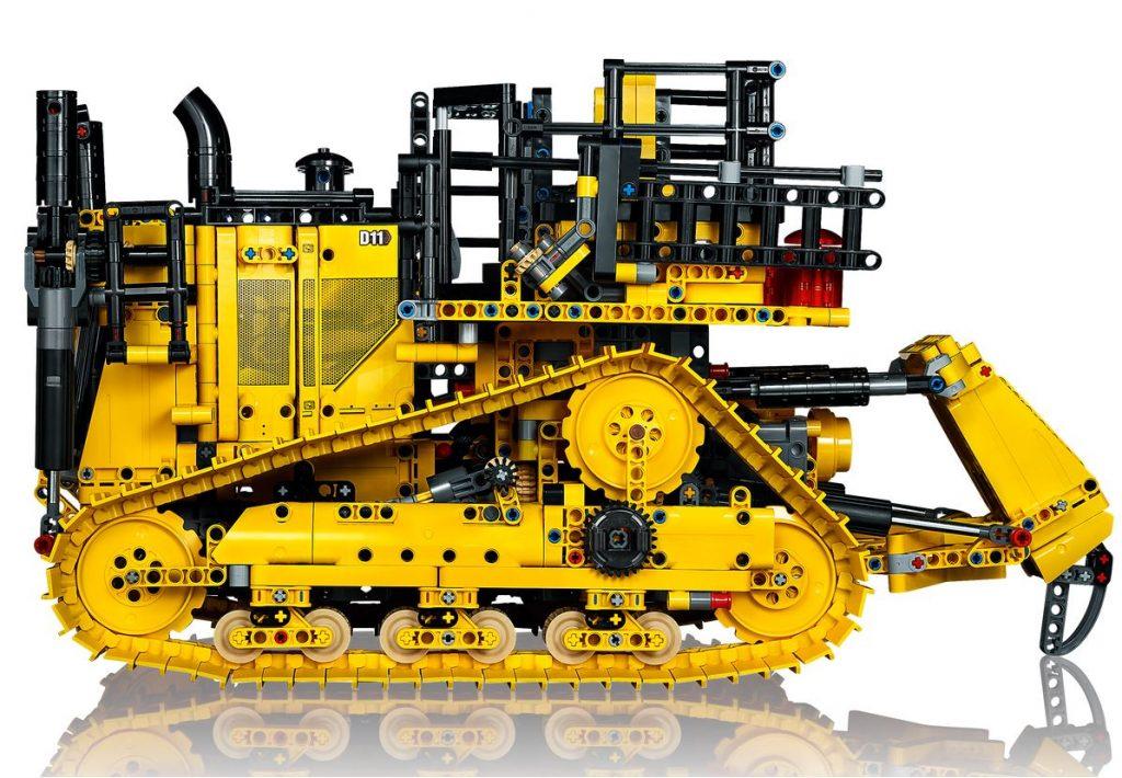 Lego Technic Bulldozer Cat D11 profilo